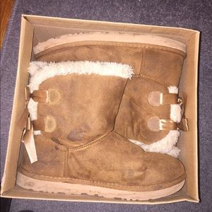 Chestnut Brown Bailey Bow Uggs